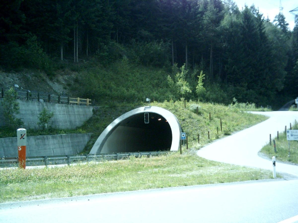 Sils tunnel