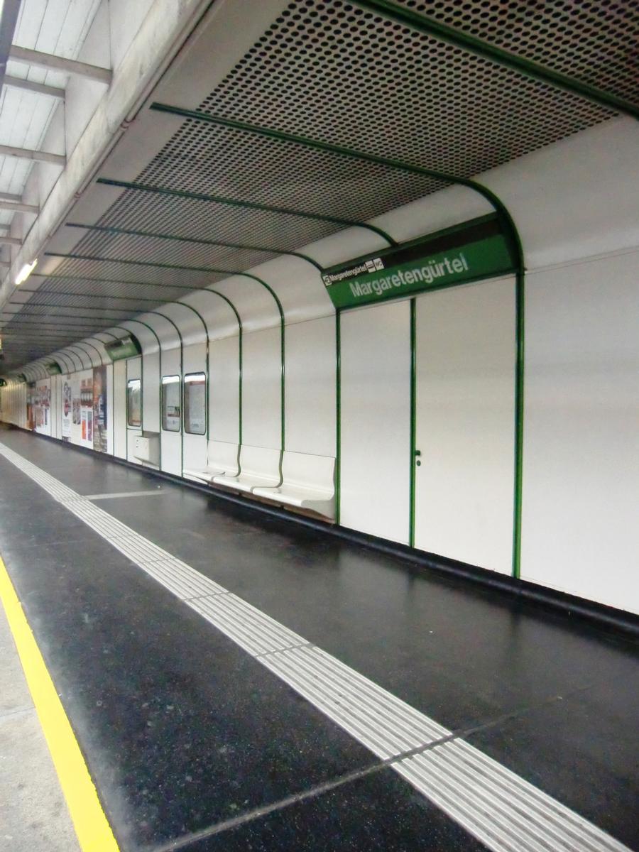 Margaretengürtel Station, platform