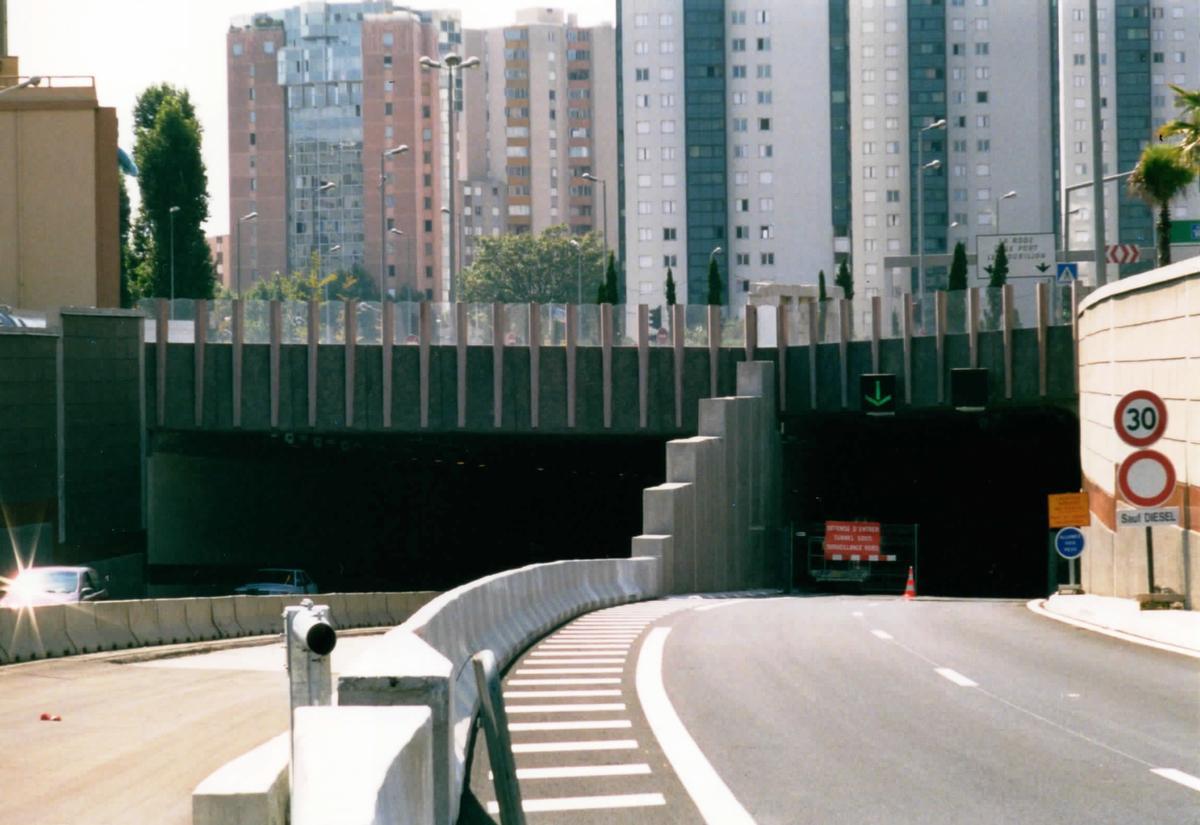 Ostportale der Straßentunnel in Toulon