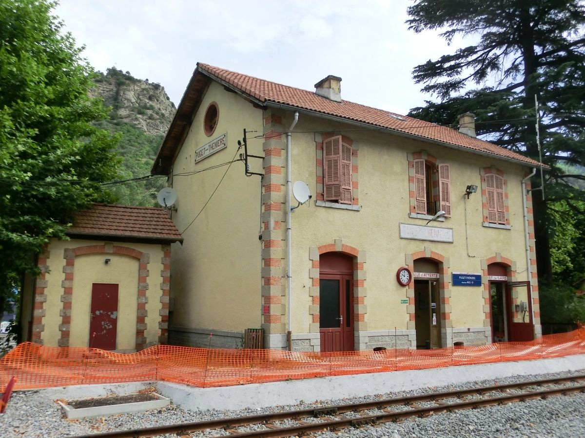 Puget-Théniers Station