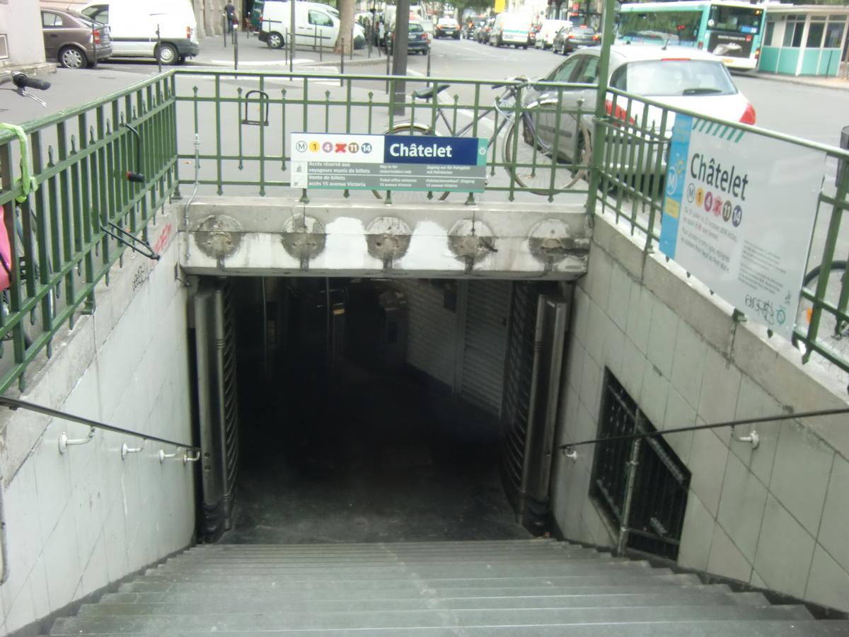 Châtelet Metro Station, access