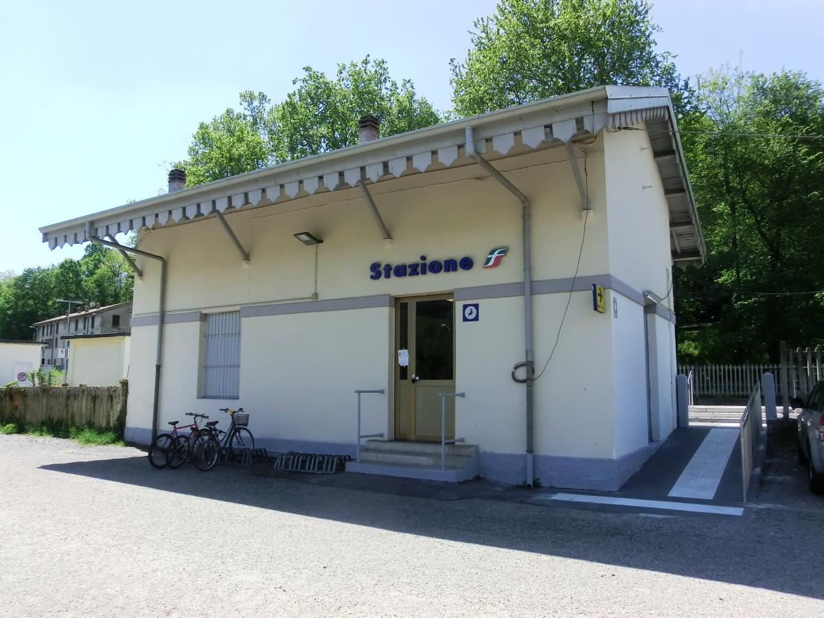 Gare de Macherio-Canonica