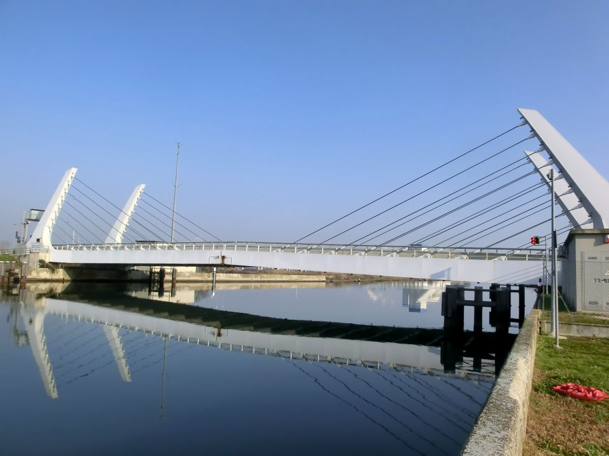 Canale Candiano Bascule Bridge