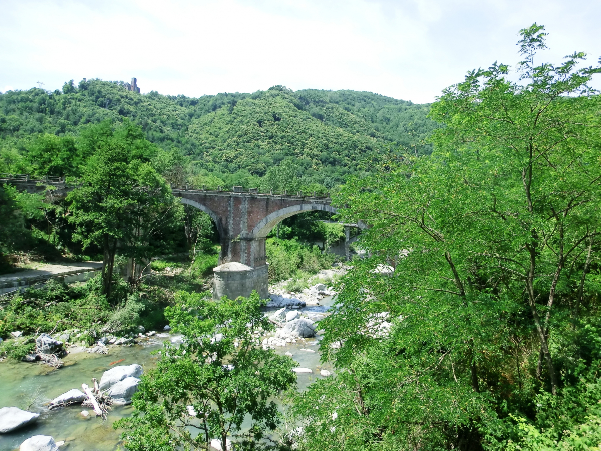 Eisenbahnbrücke Nucetto (Nord)