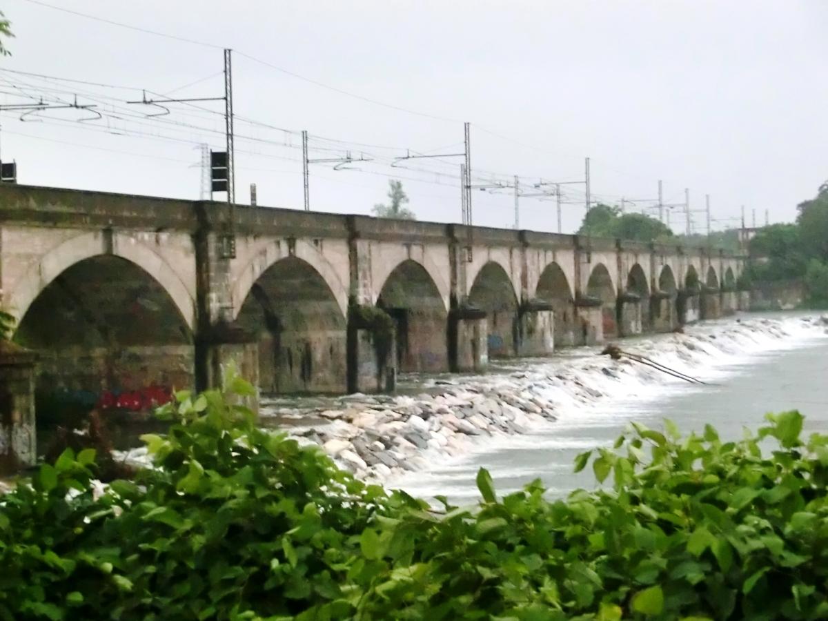 Eisenbahnbrücke über die Sesia