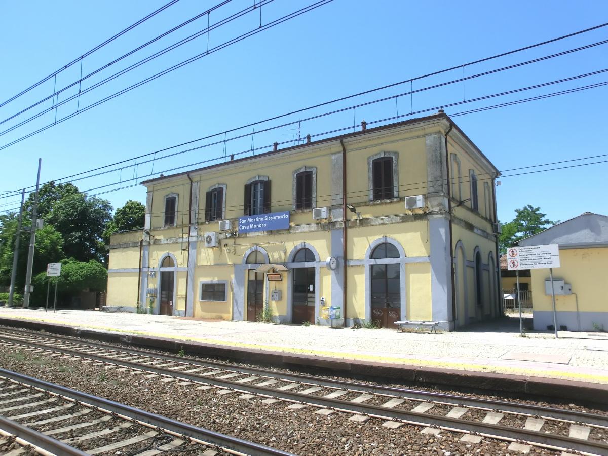 Gare de San Martino Siccomario-Cava Manara