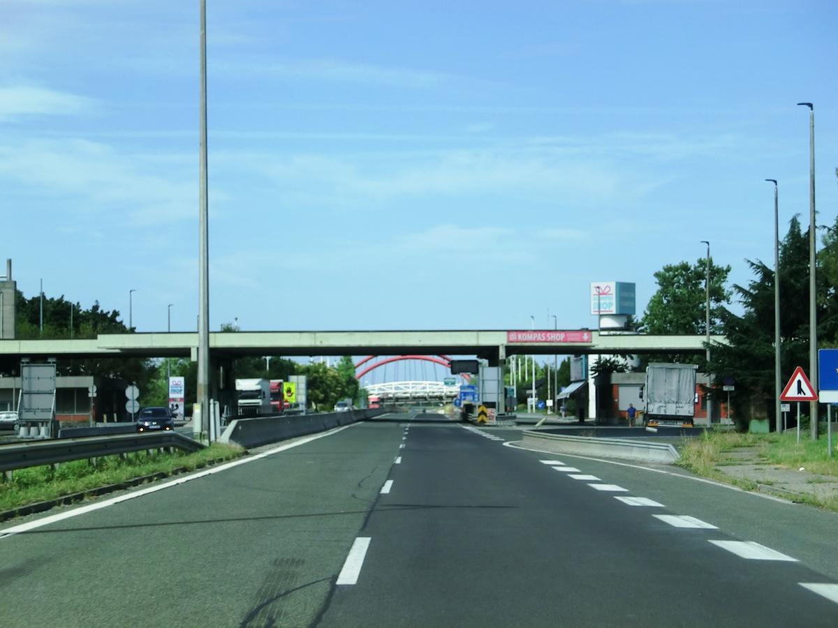 H 4 Highway (Slovenia), service area Vrtojba