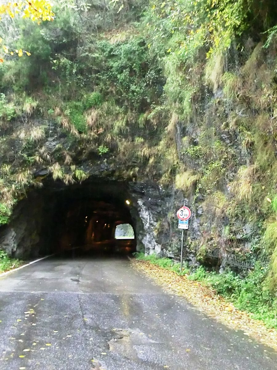 Retignano Tunnel south-eastern portal