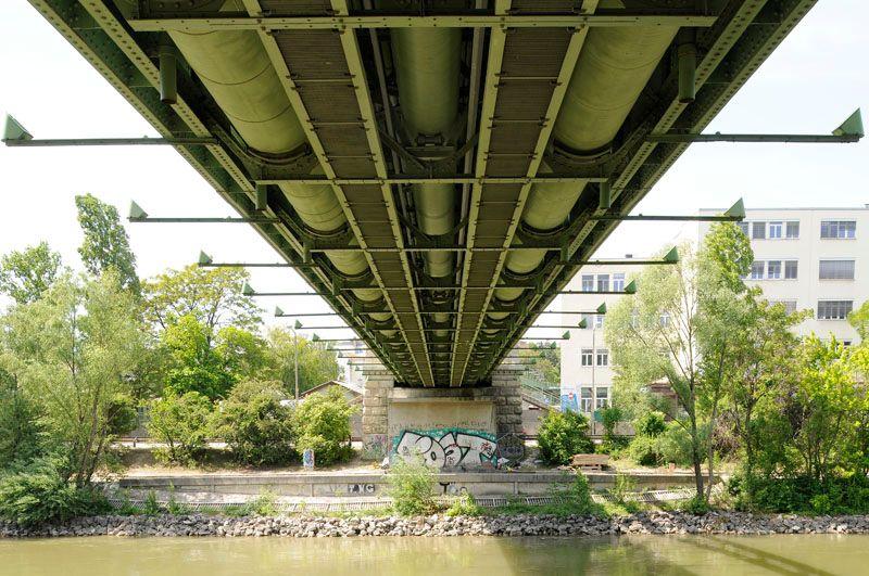 Döblinger Steg, unter der Brücke: Blick vom 20. in den 19. Bezirk