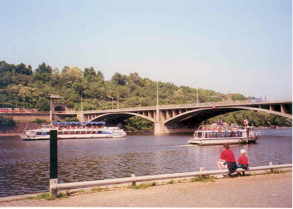 Stefánikův most (Prague)