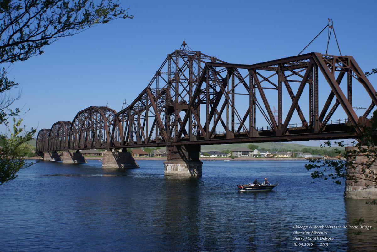 Dakota, minnesota and eastern railroad