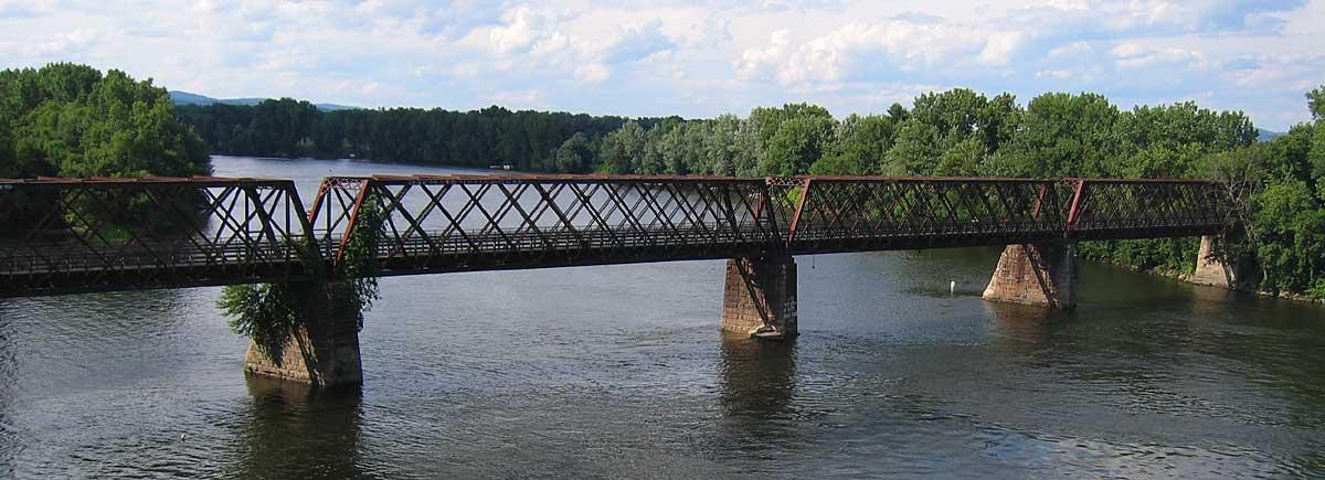 Norwottuck rail trail bridge