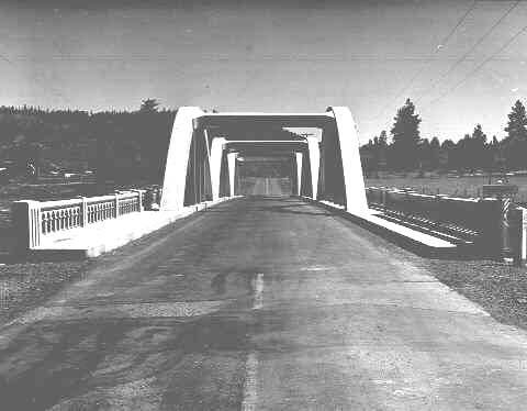 Keno Bridge - 1942By: Ralph GiffordOregon State Archives, Oregon Department of Transportation, OHD1836