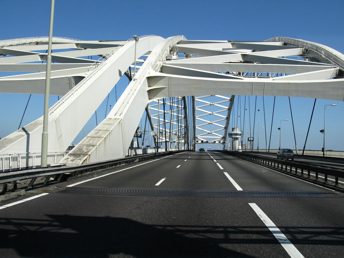 Rotterdam, Van Brienenoord-Brug, A16