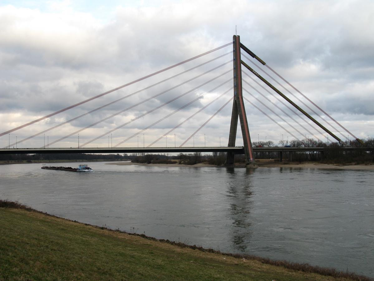 Flehe Bridge