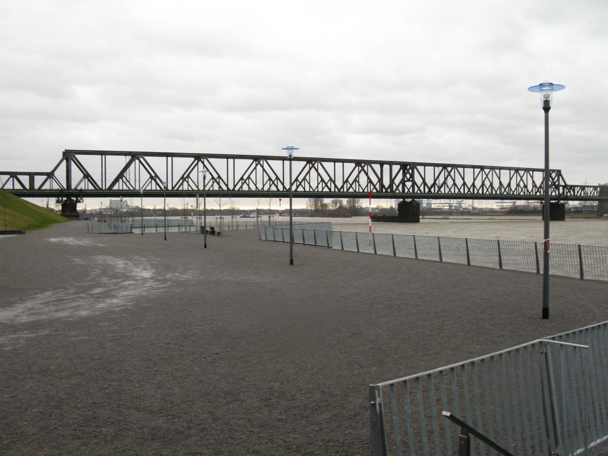 Duisburg-Hochfeld, eisenbahnbrücke