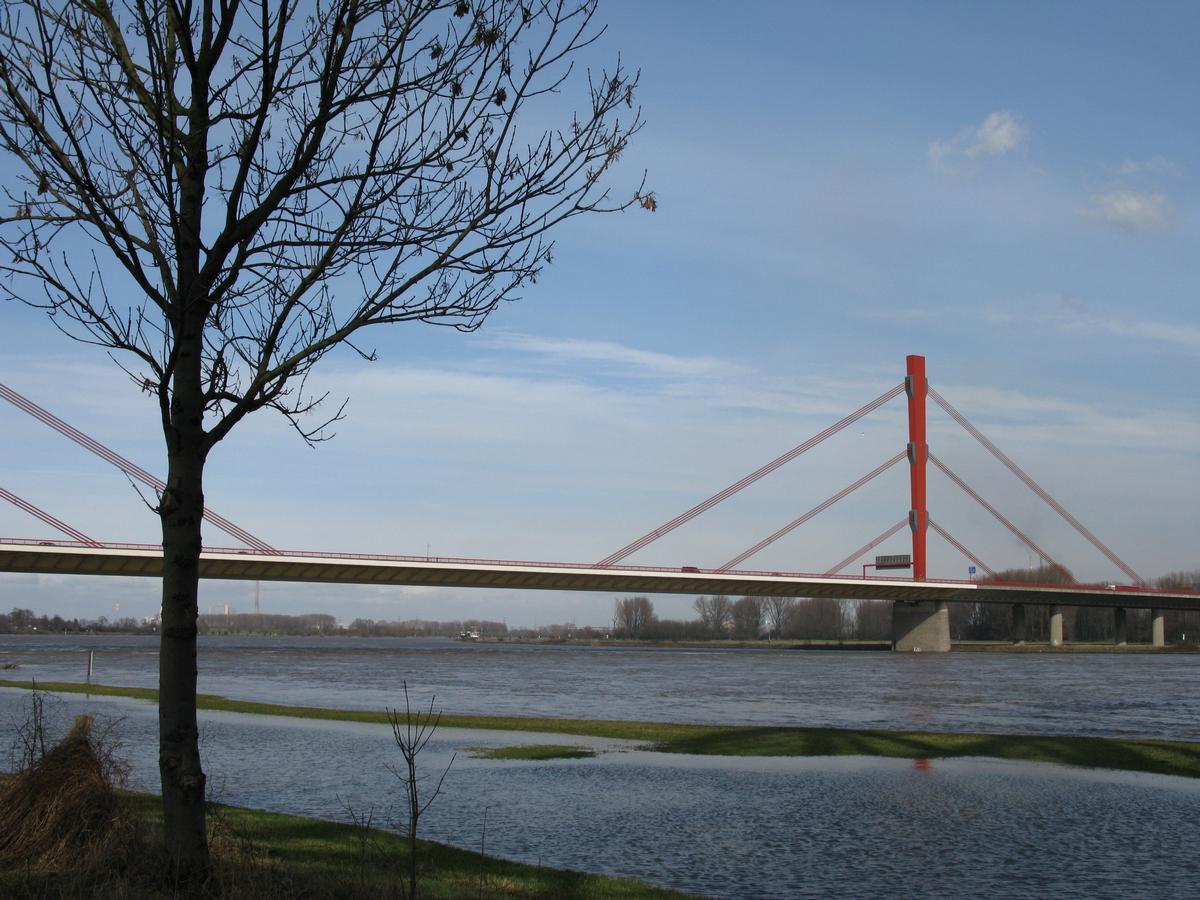 Duisburg, Beeckerwerther Brücke (A42)