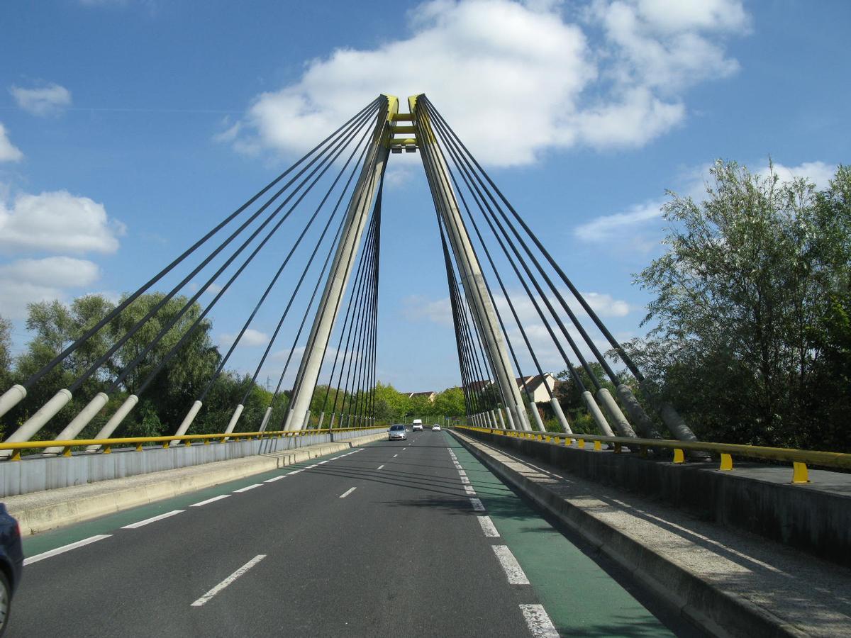 Nemours, Pont Charles Hochart
