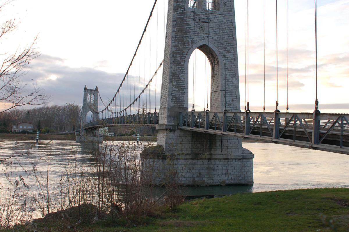 Rhônebrücke in La-Voulte-sur-Rhône (Ardèche)