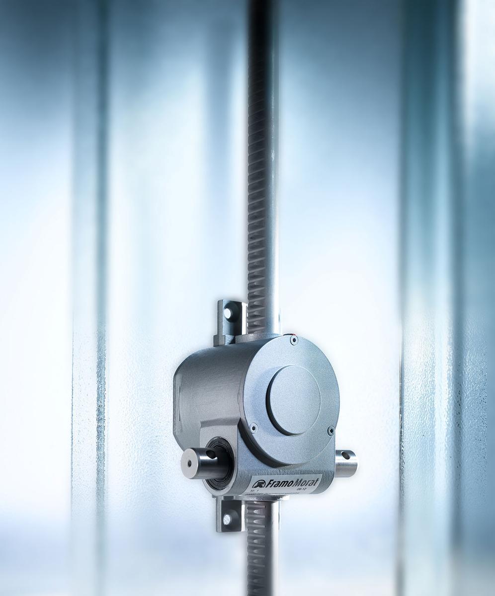 Hochwertige Materialien, elegante Optik: Der von Framo Morat entwickelte und gefertigte neue Zahnstangenantrieb macht die Fassadenlamellen des Kraanspoor-Gebäudes wieder beweglich.
