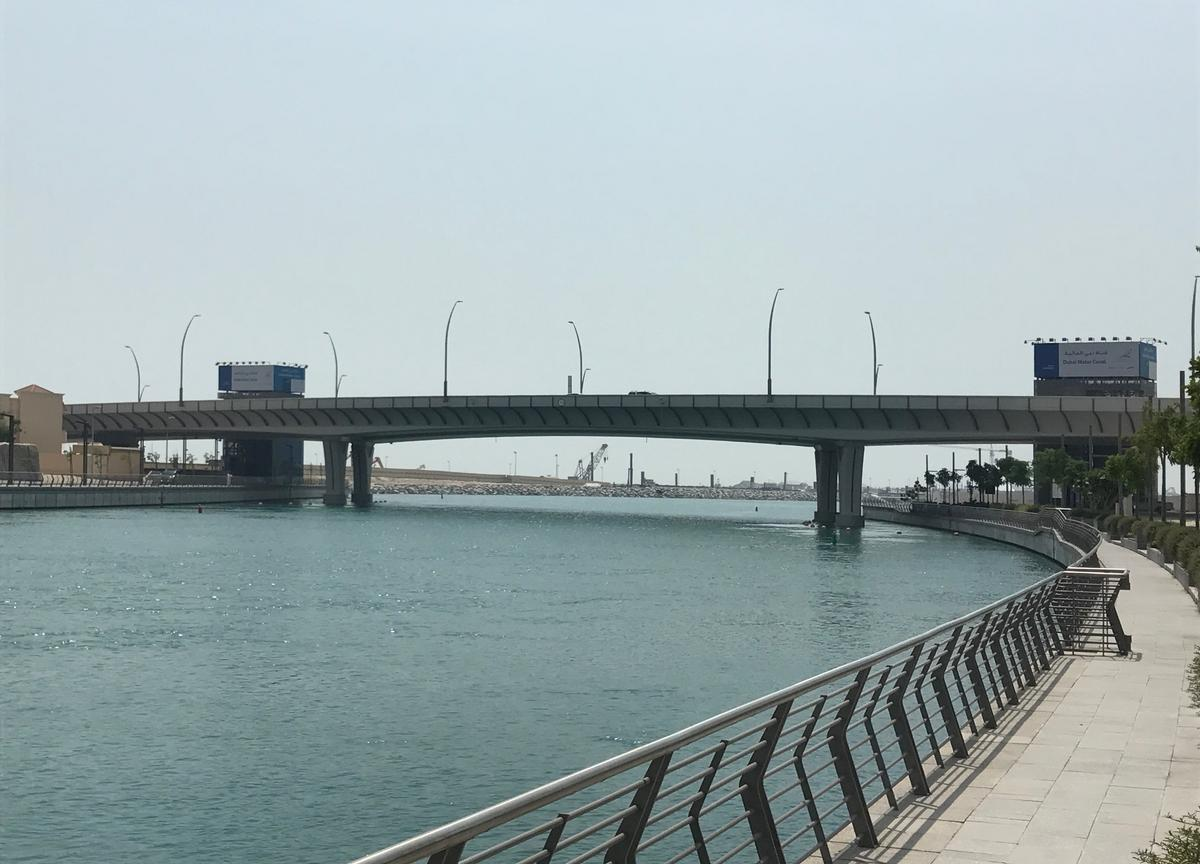 Media File No. 290523 At first glance this is a bridge like any other: One of the three bridges over the Dubai Water Canal for which – as a worldwide first time – a sliding material was specified that had to be proven for 60°C and 40 MPa.