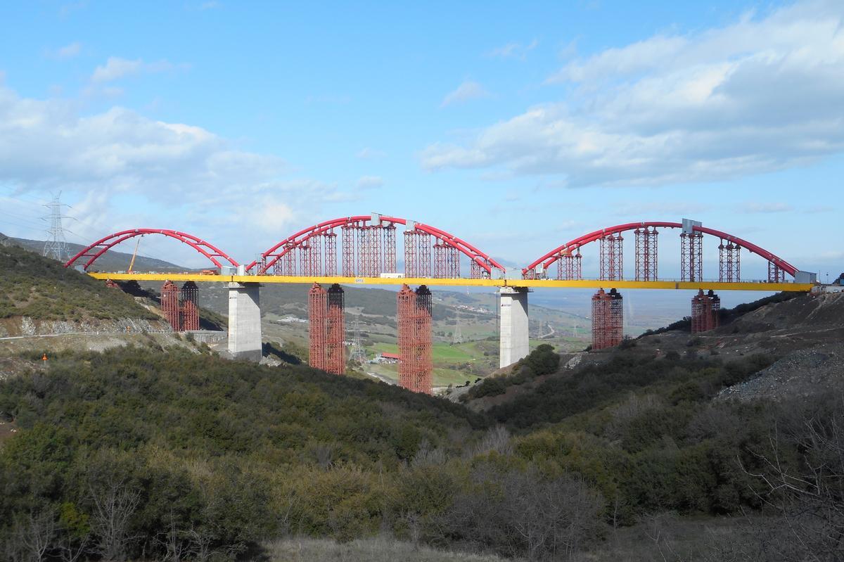 Die Brücke SG26 ist Teil der neuen Bahnschnellstrecke Tithorea-Domokos.