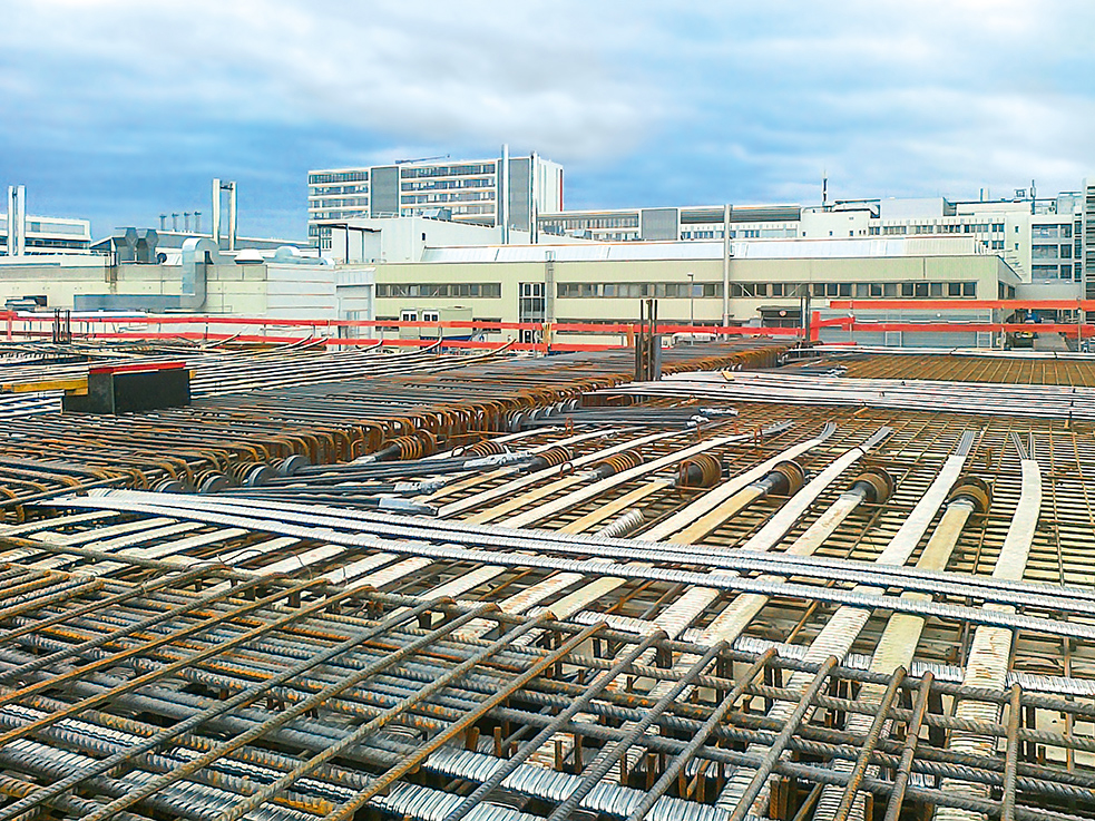 For tensioning the floor slabs, oval tendons and post-tensioning systems were required.