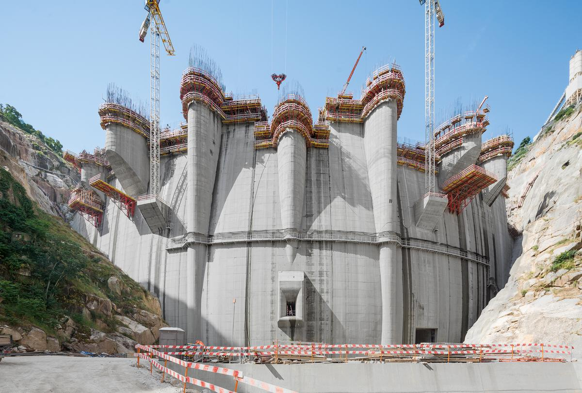 Elaborate engineering services for Foz Tua Dam, Po