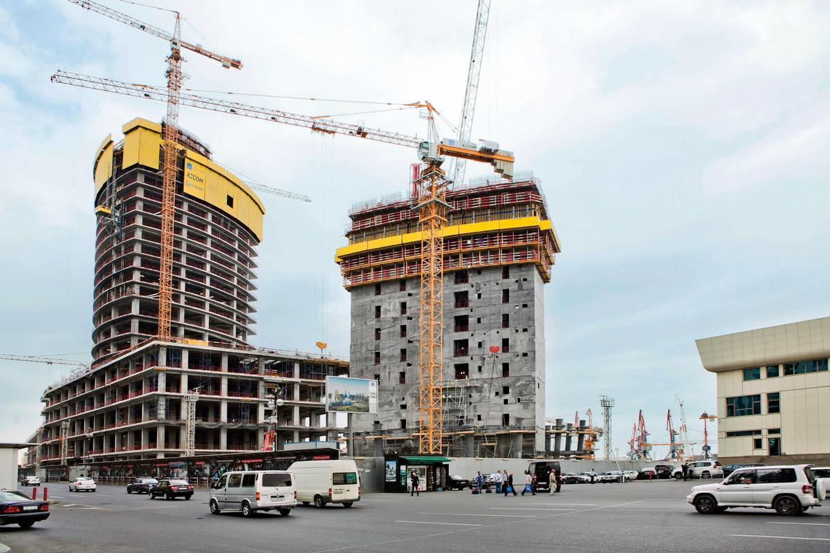 Der Crescent Place umfasst ein Luxus-Shoppingcenter mit einem 170 m hohen Wohnturm. Daneben entsteht der 203 m hohe Crescent-City-Büroturm.