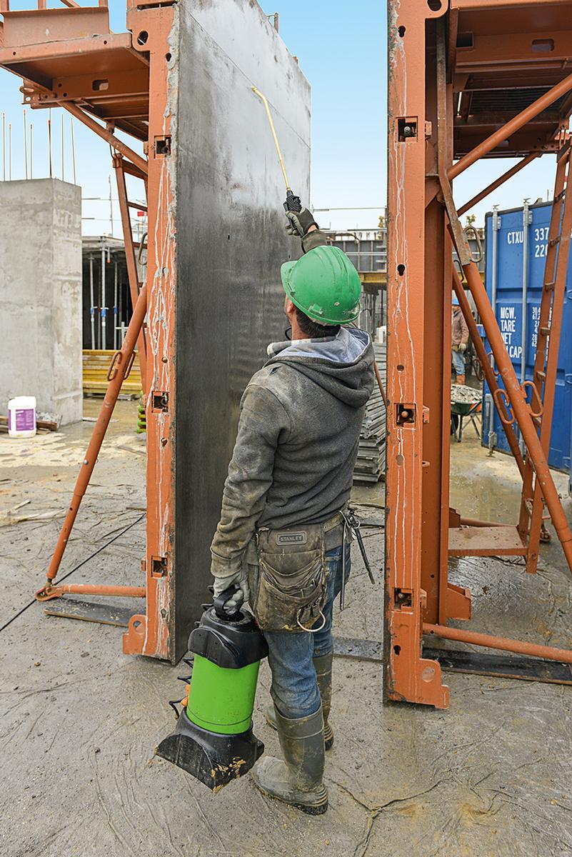 Für die Betonfassaden der neuen Gebäude im Carré Haussmann wurde ein biologisches Formtrennmittel verwendet. Für die Betonfassaden der neuen Gebäude im Carré Haussmann wurde ein biologisches Formtrennmittel verwendet.