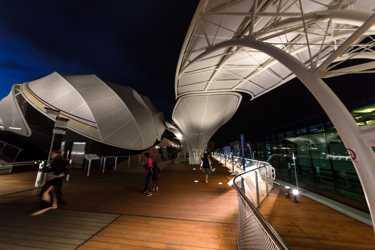 Der deutsche Pavillon auf der EXPO 2015 in Mailand bei Nacht