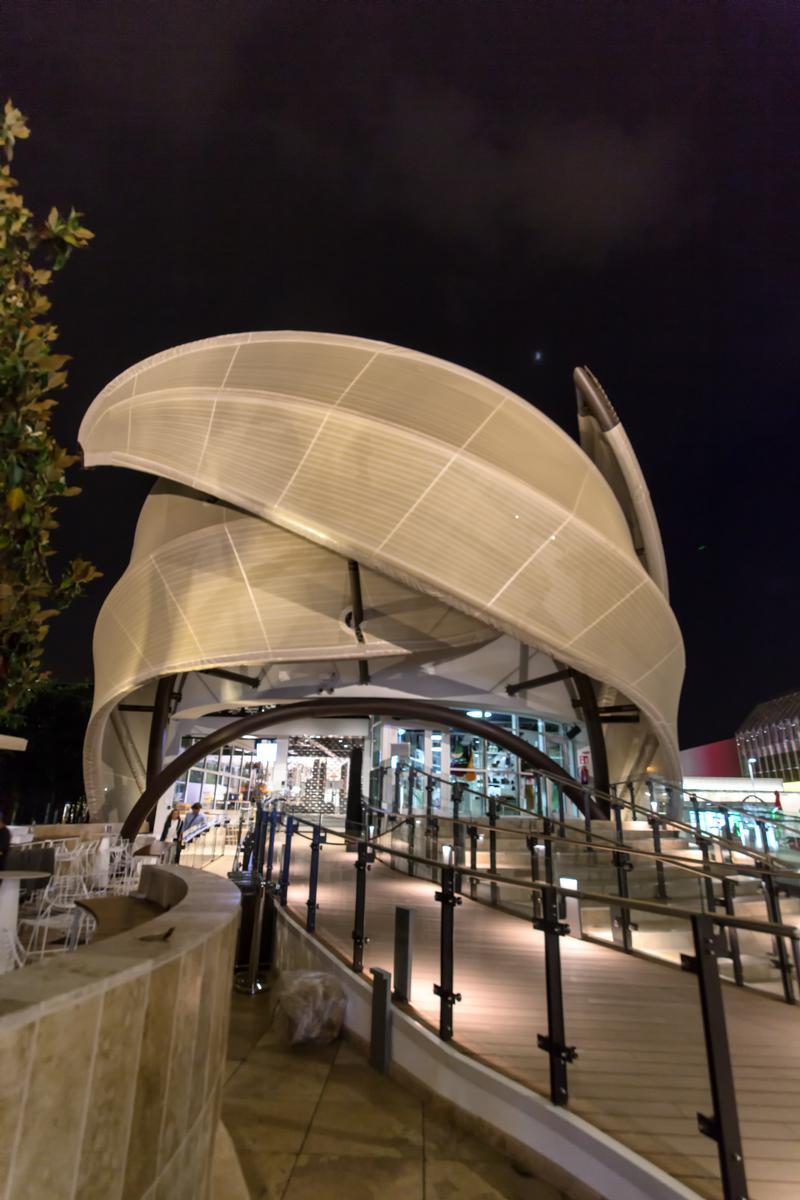 Mexikos Pavillon bei Nacht