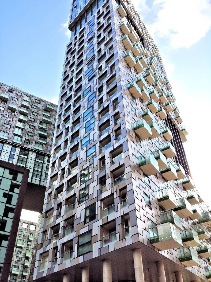 Das Mischnutzungsprojekt Harbour Central umfasst fünf Hauptblöcke mit bis zu 41 Stockwerken und 900 Wohnungen.