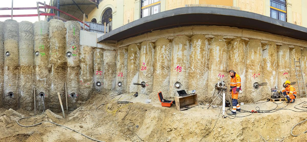 An excavation volume of 10,000 m² was required for the junction structure VE 2212.