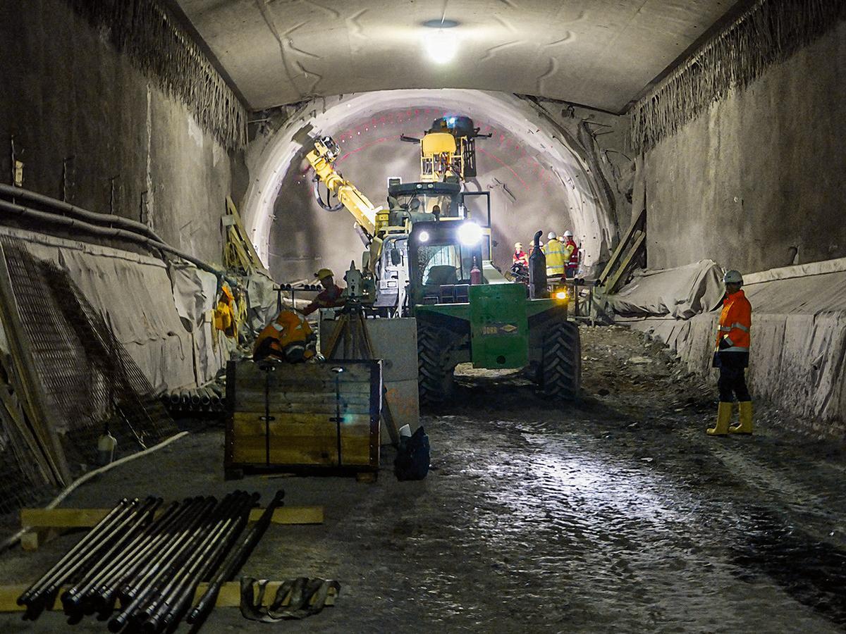 Blick in eine Röhre des Koralm-Tunnels