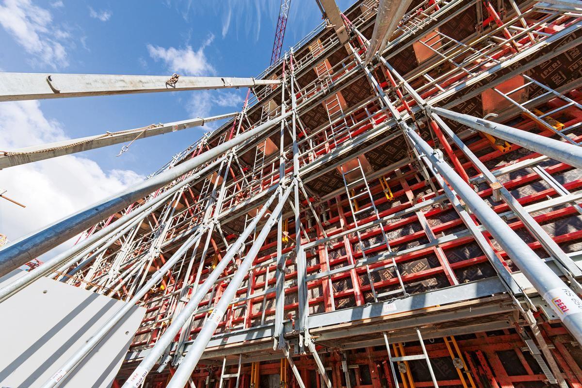 Das MXP Bühnensystem bietet, abgestimmt auf die Elementbreiten der Rahmenschalung TRIO, höchste Sicherheit beim Bedienen der Anker und Elementverbindungen.