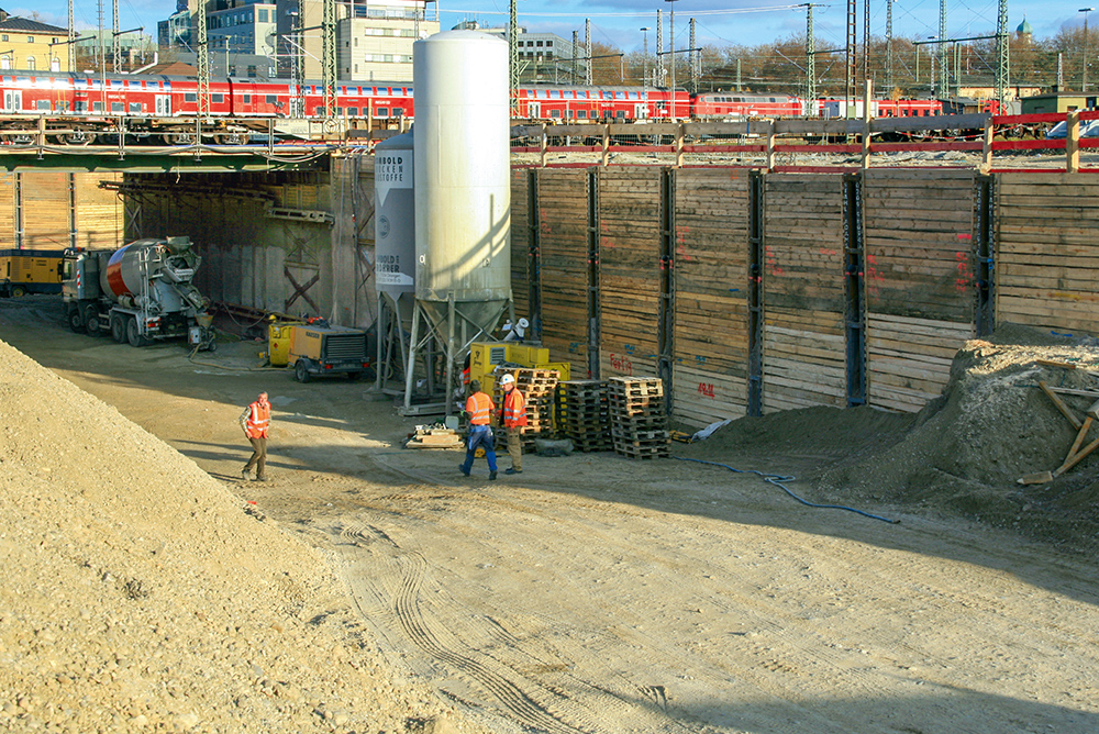 The excavation for the West Tunnel was up to 14 m deep and approximately 70 m long.
