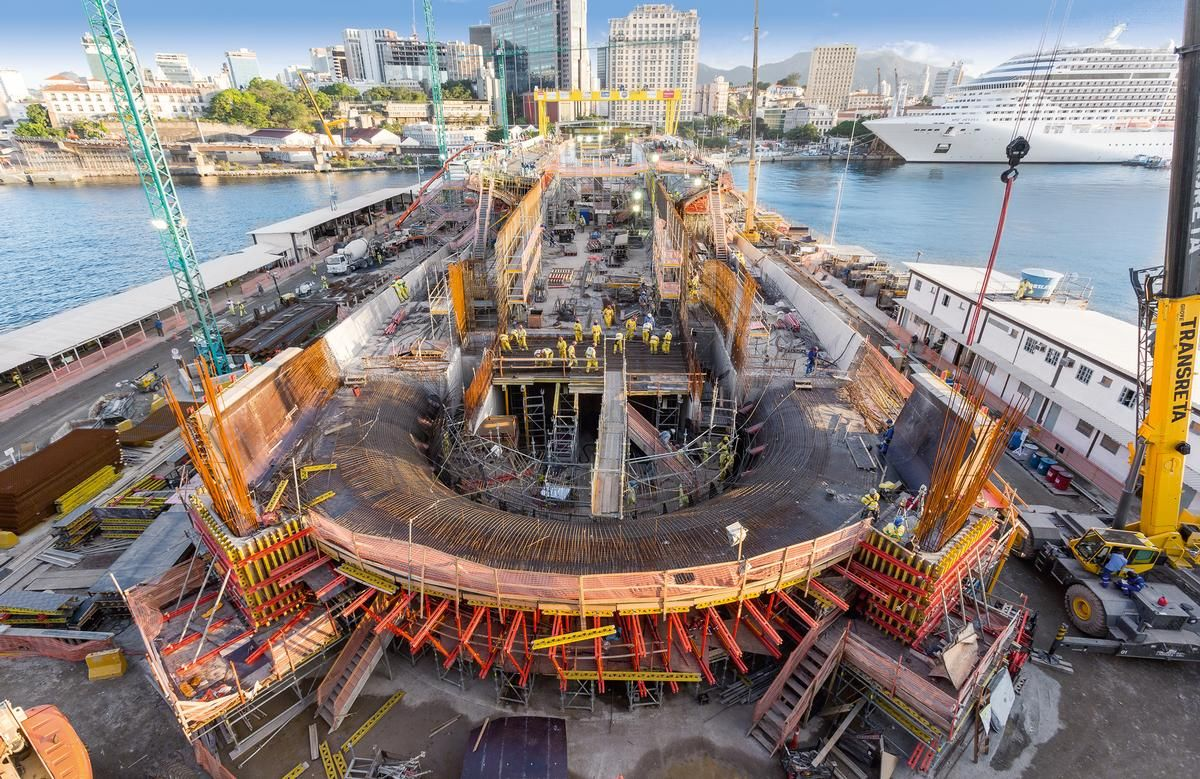 An important part of the PERI overall concept was also providing perfectly matched formwork and scaffolding systems. An important part of the PERI overall concept was also providing perfectly matched formwork and scaffolding systems.