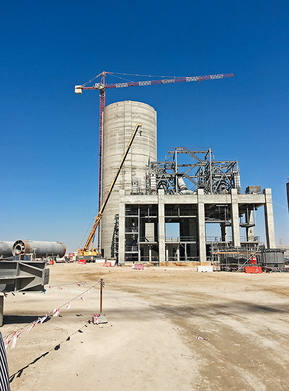 New silos for the Qatar National Cement Company | Structurae