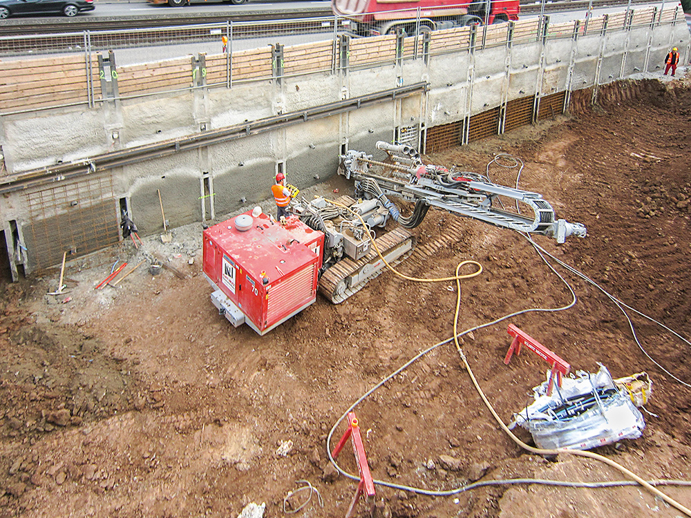 To stabilize the excavation at Prague Street, temporary strand anchors and bar anchors had been installed. To stabilize the excavation at Prague Street, temporary strand anchors and bar anchors had been installed.