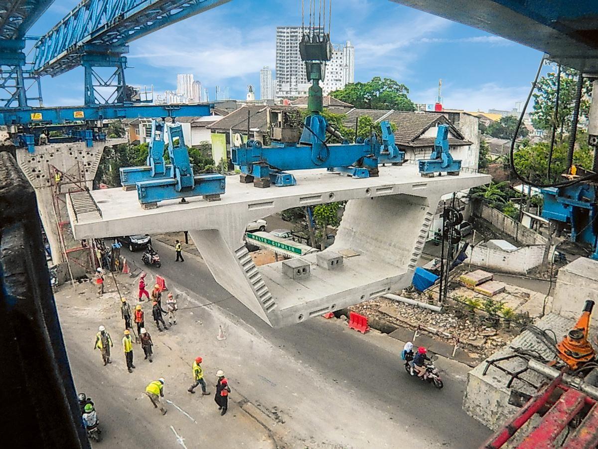 The viaduct consists of more than 600 precast box girder segments.