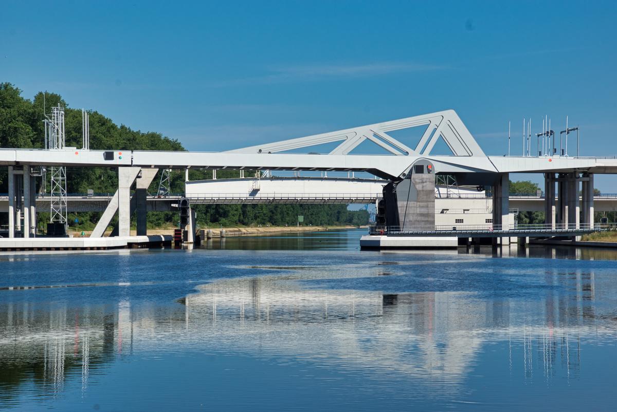 Klappbrücke A 11