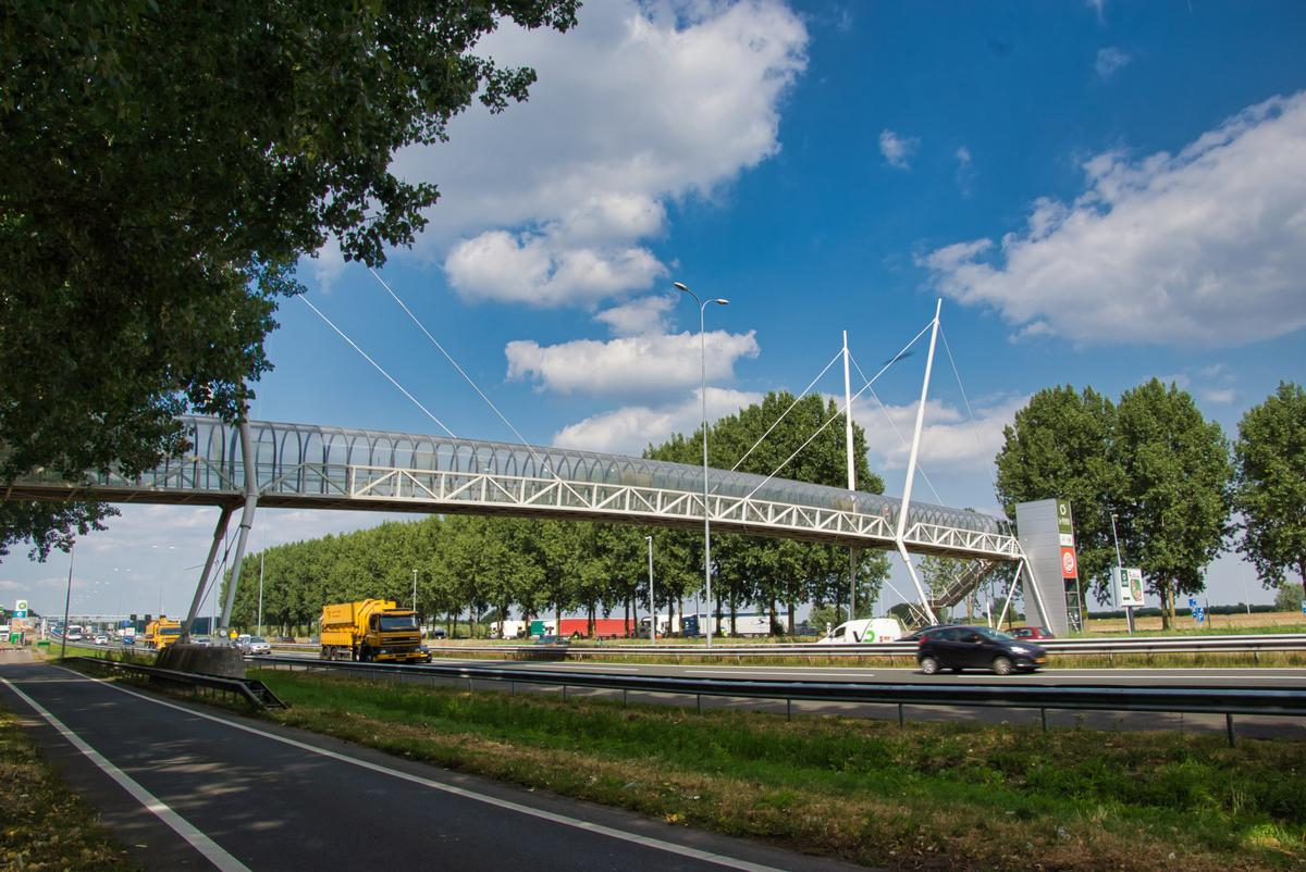 Fußgängerbrücke an der Raststätte Nieuwegein