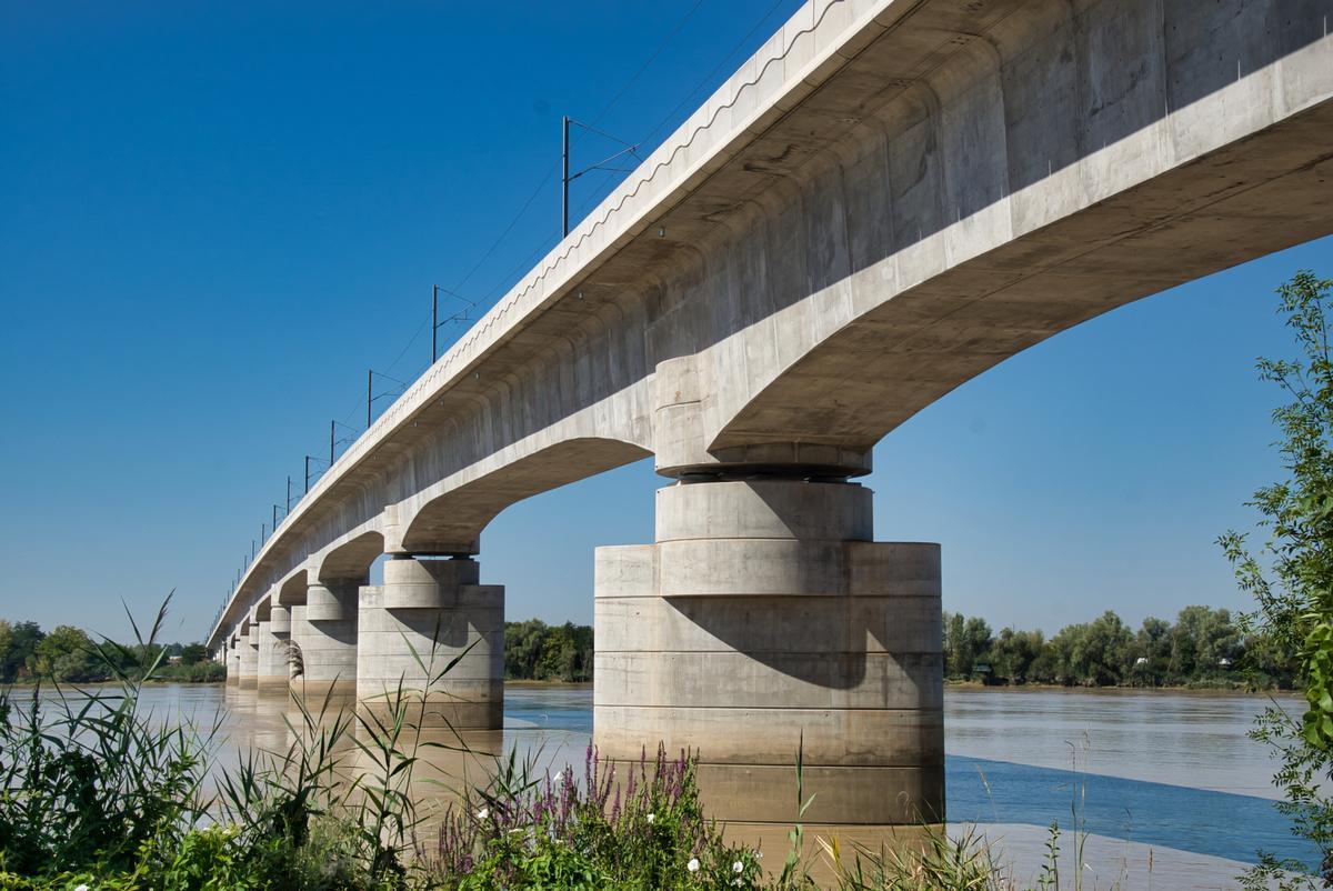 Cubzac High-Speed Rail Bridge
