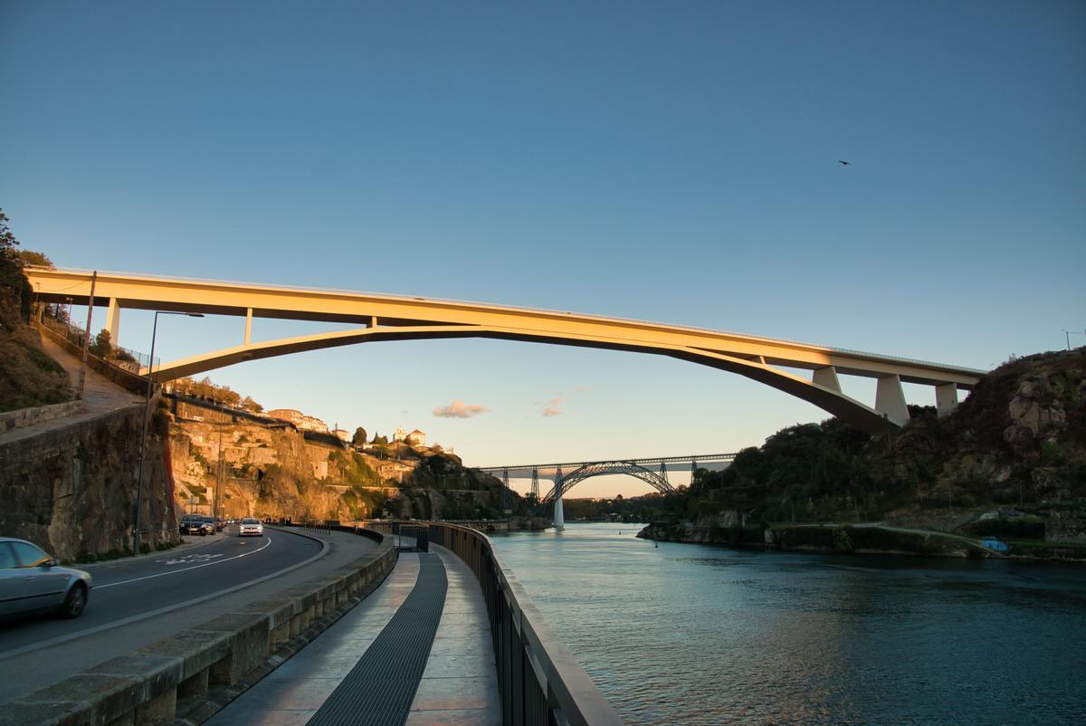 Infante D. Henrique-Brücke
