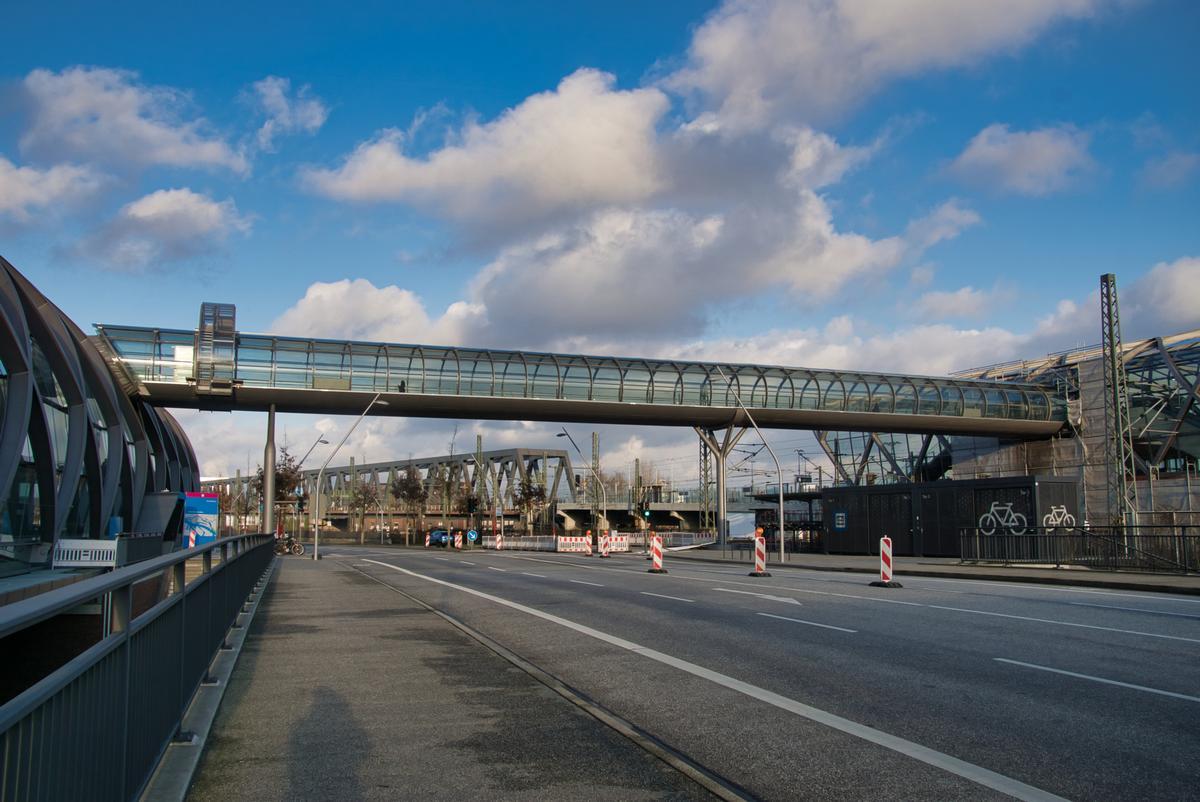 Elbbrücke Station Skywalk