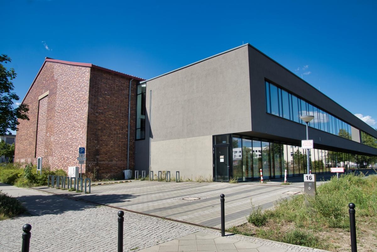 Sporthalle Adlershof