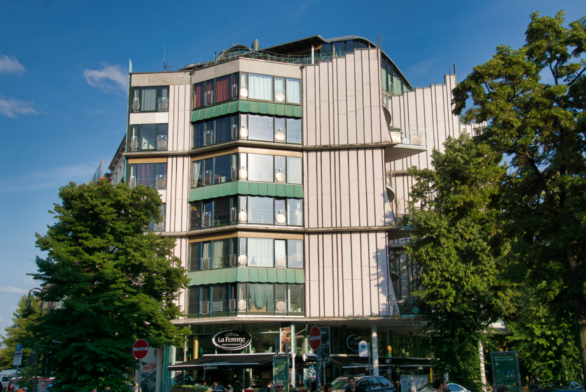 Winterfeldtplatz Residential Building