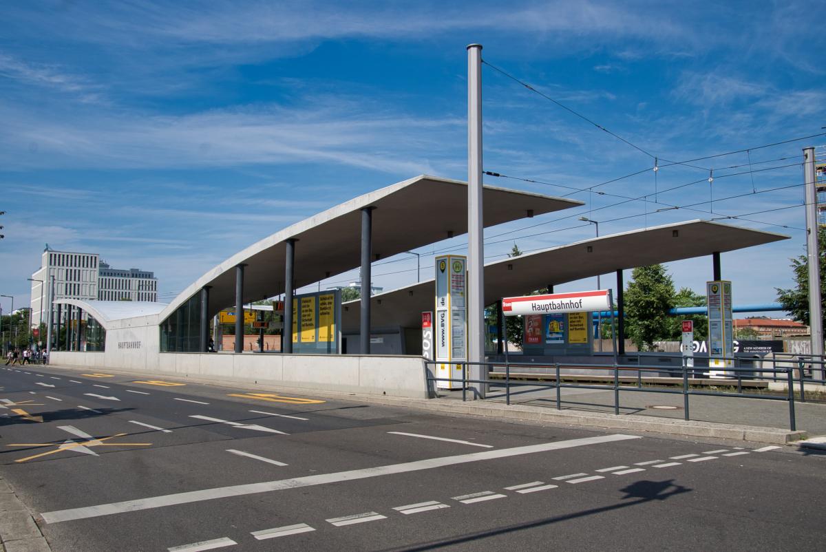 Hauptbahnhof Tramway Station