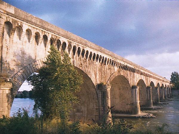 Agen Canal Bridge.